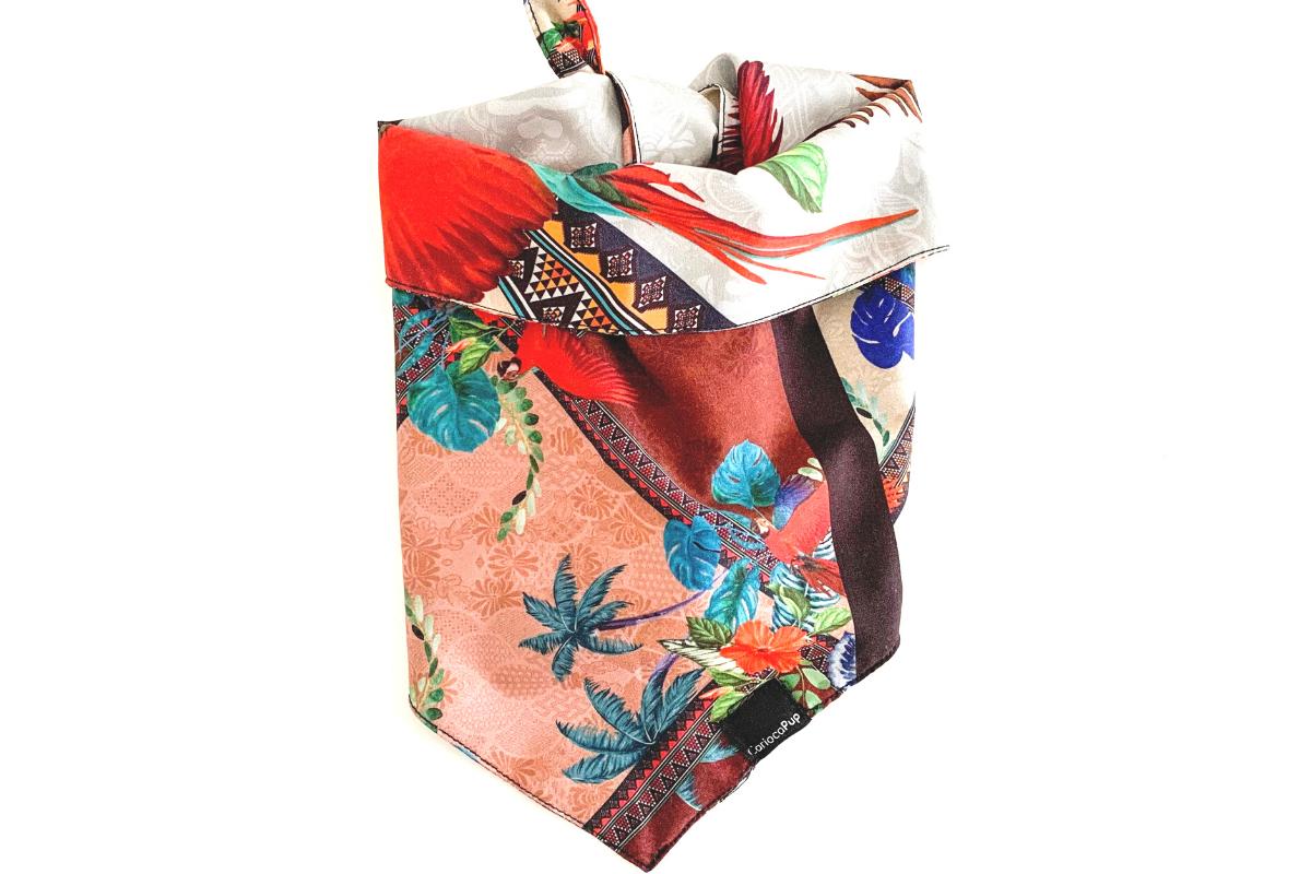 CariocaPup: bandana ecológica Papagaio - Coleção Natureza
