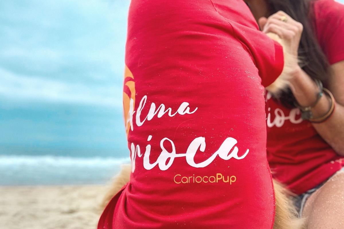 camiseta-ecologica-tal-mae-tal-pet-vermelha-almacarioca-cariocapup-cachorros-pet